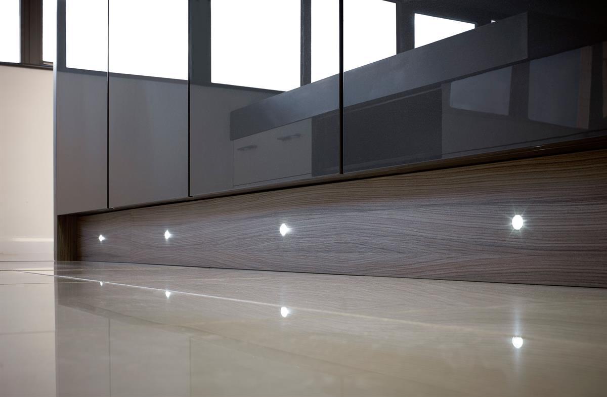 puro led plinth lights a unique choice. Black Bedroom Furniture Sets. Home Design Ideas